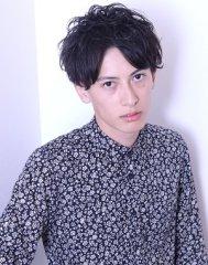 セクシー&ウェットな黒髪マッシュスタイル