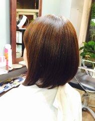 「色抜けしやすい髪質」に艶と色持ちさせるカラーリング提案です