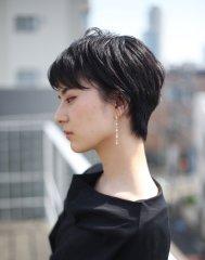 ナチュラル黒髪ショート