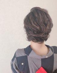 ミディアムヘアもアップスタイルに。浴衣ヘア