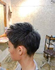 硬毛の方でも可能ネイビーショートスタイル
