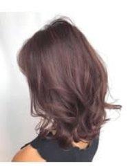 ラベンダーアッシュの艶髪ニュアンスカール