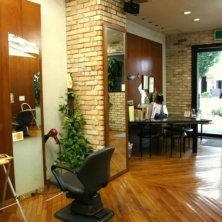 Deux Hairdressers(ドゥヘアードレッサーズ)