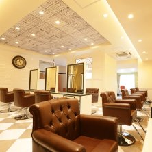 LOUVRE Total Beauty Salon 学園前店(ルーヴルトータルビューティーサロンガクエンマエテン)