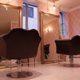 D&T hair 本店(ディーアンドティーヘアーホンテン)