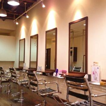 Hair Salon CHIROL(ヘアサロンチロル)