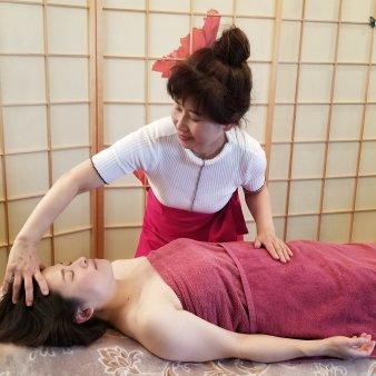 グレイス・リー 小顔コルギ&子宮卵巣セラピー(グレイスリー)
