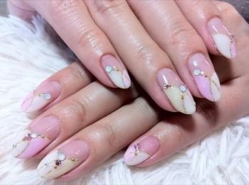 変形フレンチ上品nail