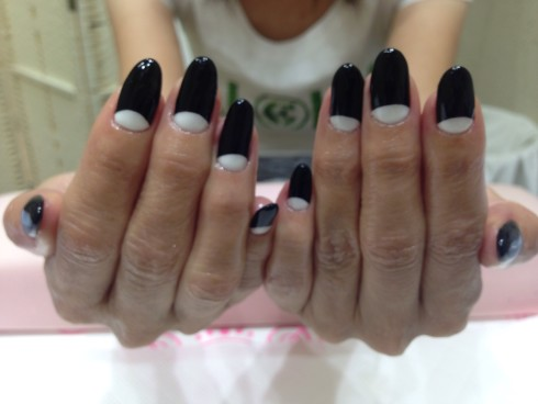 White&Black  nail