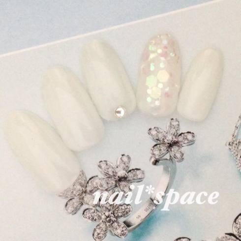 ホワイト&ホログラム/乳白色