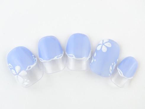 涼しげなブルーカラーネイル