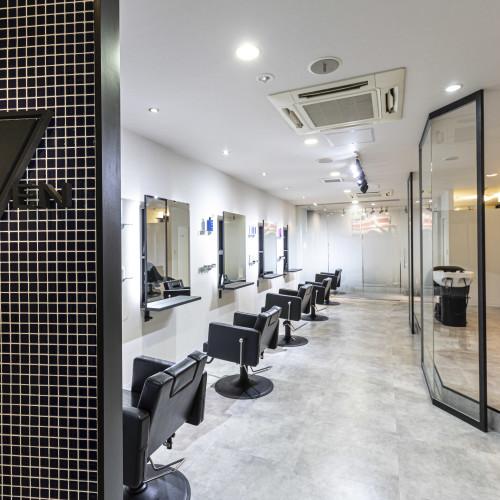 Men's Salon SEVEN