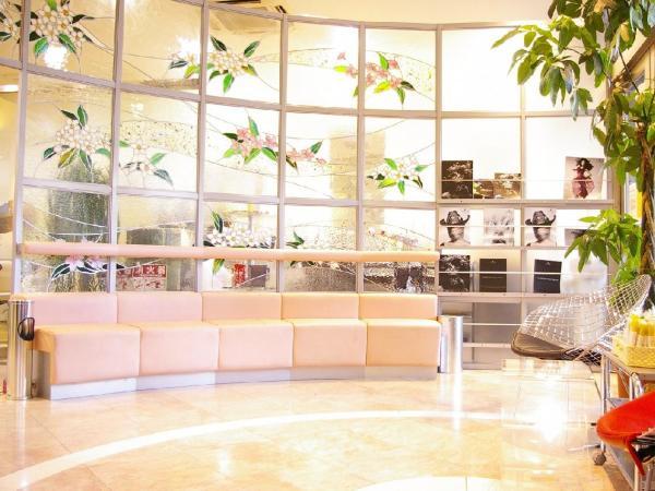 NAIL moA 三軒茶屋店(ネイルモアサンゲンヂャヤテン)