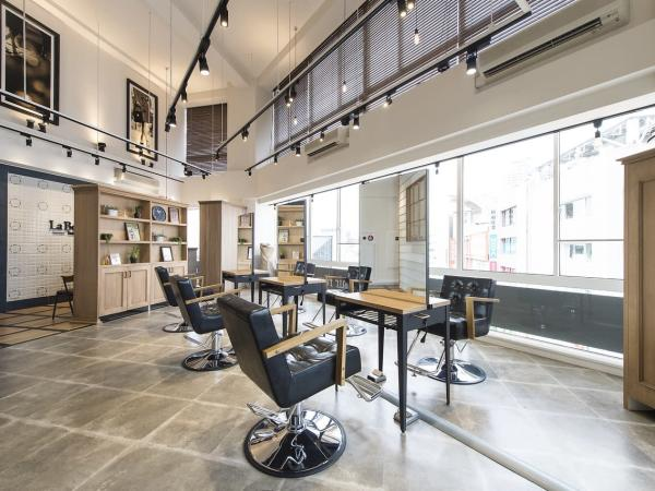 La Bonheur hair reve池袋店(ラボヌールヘアーレーヴイケブクロテン)